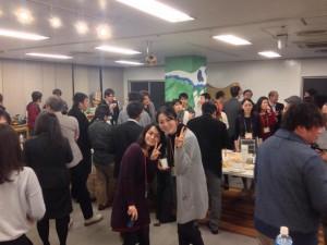 大阪の本町にあるコワーキングスペース「オオサカンスペース」のイベントにて。1日で大阪のコワーキングスペースをオーナーの星野と一緒に7箇所回り、それぞれの運営者とお話しました。