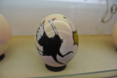 ダチョウの卵アート