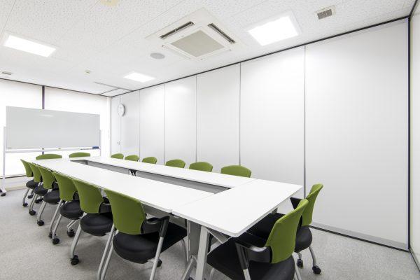 会議室C室内