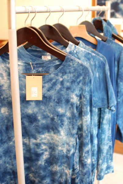 藍染めTシャツ