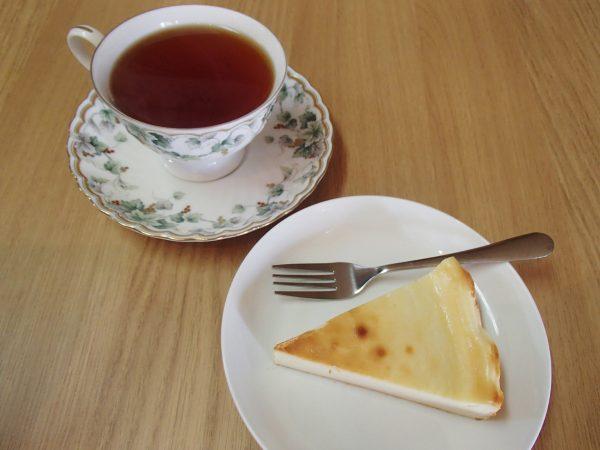 本と台所 チーズケーキ