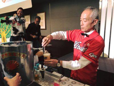 ビールサーバーで注がれるビール