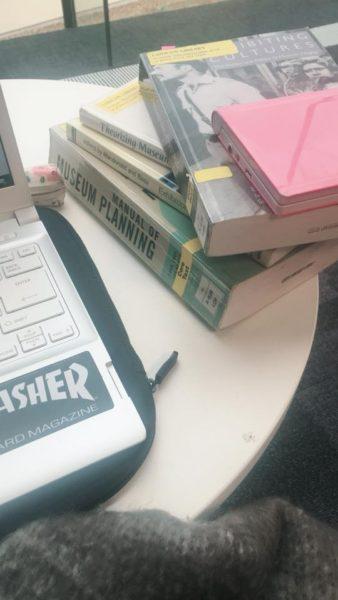 図書館での勉強風景