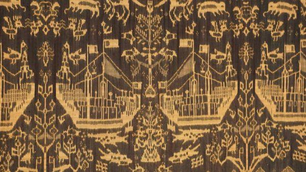 カンボジアの絹の絵絣ピダンの壁かけ